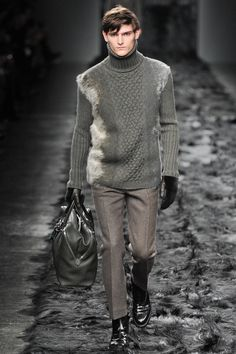 Fendi | Fall 2014 Menswear Collection | Style.comLook Look one from the Fendi F/W2014 Men's Collection; in this piece she combine fine knit with fur.