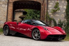 Italians prove time and again that they are the masters of sports car industry period. Pagani Huayra is their latest gift to the world. Now all you need is 1 Million dollars and you're all set.