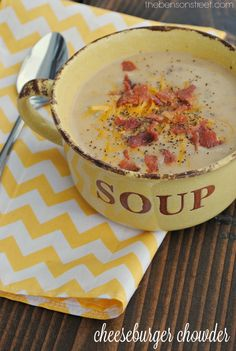 Bacon Cheeseburger Chowder Soup! Easy dinner idea and yummy meal perfect for a cool day. Recipe at thebensonstreet.com