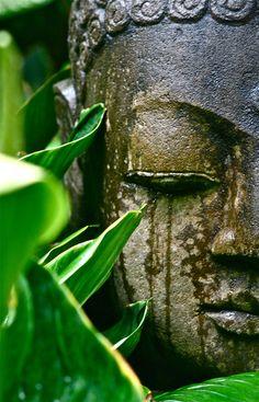Envers du Decor — buddhabe: Buddha in Bali - Garden Statue Buddha Kunst, Buddha Zen, Buddha Buddhism, Buddhist Art, Little Buddha, Art Asiatique, Religion, Belle Photo, Statues
