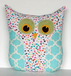 front view of Lola owl design