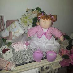 boneca para enfeitar quarto de bebê. lia bordados