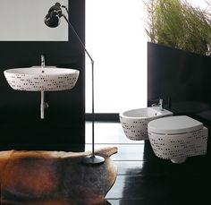 Impronte e la linea di #design di @ceramicasimas che propone l'uso di #pattern e #decorazioni grafiche semplici ma dal gusto raffinato - www.gasparinionline.it #bathroomdesign #homedecor #weloveit  #italiandesign #bagno