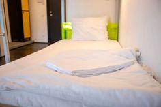 Pousada de Juventude do Parque das Nações #bedroom #lisbon #youthhostels #wheretostay #portugal Bed, Portugal, Furniture, Home Decor, Youth, Decoration Home, Stream Bed, Room Decor, Home Furnishings