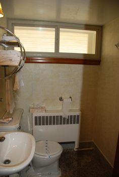 old bathroom set up