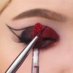 Edgy Makeup, Eye Makeup Art, Dark Makeup, Smokey Eye Makeup, Cute Makeup, Skin Makeup, Makeup Inspo, Eyeshadow Makeup, Makeup Inspiration