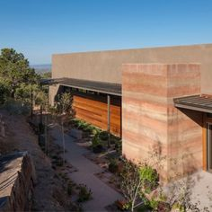 Torcasso Residence: As rammed earth makes a comeback for its low maintenance and energy efficiency, architects are beginning to explore its potential and beauty for luxury housing. The Torcasso Residence is one example of the elegant utilization of rammed earth construction. The house takes its inspiration from the surrounding Santa Fe landscape, using the building form to create and capture extensive views of the valley. Large operable glass panels help create a continuous panorama and…