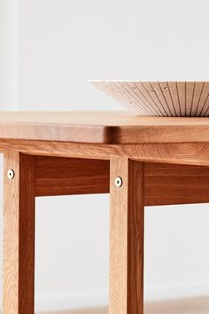 The Mogensen Tables are pure in shape and humble in appearance so is the Locus Bowl designed by Sofie Østerby. The materials stand beautifully together and create tranquillity to the interior design. #fredericiafurniture #locusbowl #mogensen6286table #sofieøsterby #børgemogensen #interiordesign #danishdesign #modernoriginals #craftedtolast Bowl Designs, Danish Design, Solid Oak, A Table, Entryway Tables, Shapes, Pure Products, Interior Design, The Originals