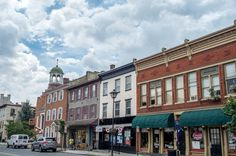 There are so many things to do in Gettysburg, Pennsylvania. From historic sites to food tours, a weekend in Gettysburg will be entertaining and delicious.