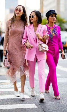 Beautiful Women Pink Outfits Ideas For Summer 24