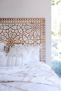 Planning For Home Decor Accessories - Diy Home decor Home Bedroom, Girls Bedroom, Bedroom Decor, Master Bedroom, Bedroom Ideas, Headboard Ideas, Gold Headboard, Bamboo Headboard, Bohemian Headboard