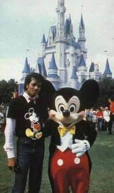Michael Jackson & Mickey Mouse