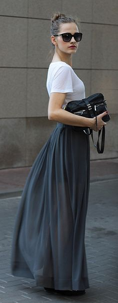 Minimalist fashion women - womens fashion - fashionista style - Long Smokey-Grey Skirt, White Shirt, Black Bag & Sunglasses, Red Lip, etc. Grey Maxi Skirts, Pleated Maxi, Long Skirts, Looks Street Style, Looks Style, Look Fashion, Womens Fashion, Street Fashion, Latest Fashion