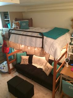 22 College Dorm Room Ideas for Lofted Beds - Cassidy Lucille 22 college dorm room ideas for lofted beds. If you have a lofted bed in your college dorm room, you must see these ideas. Dorm Room Storage, Dorm Room Organization, Organization Ideas, Storage Ideas, Dorm Room Closet, Dorms Decor, Dorm Decorations, Uga Dorm, College Football