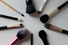 Top 10 Makeup Brushes (Almost) under - A Little Obsessed Mac Brushes, Makeup Brushes, Beauty Inside, Makeup Tips, Makeup Looks, Fancy, Big, Beautiful, Make Up Styles