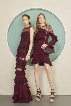dress Brokat elie saab - Elie Saab draws on Japanese culture for Resort 2017 collection Fashion Week, Fashion 2017, High Fashion, Ad Fashion, Trendy Dresses, Nice Dresses, Casual Dresses, Vogue Paris, Elie Saab Printemps