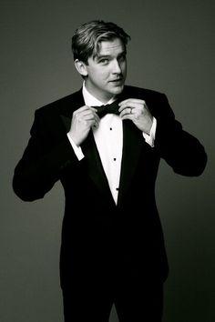 Dan Stevens.  He plays Matthew Crawley AND Edward Ferrars.  Can he get much awesomer?  =P