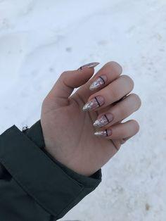 Nail art Christmas - the festive spirit on the nails. Over 70 creative ideas and tutorials - My Nails Nail Manicure, Diy Nails, Cute Nails, Pretty Nails, Diy Ongles, Diy Nail Designs, Minimalist Nails, Best Acrylic Nails, Nail Decorations