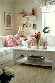 love the sofa and coffee table...can change pillows when you want a color change or for different seasons.