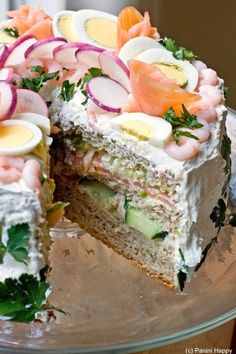 sandwich cake! #mindBLOWN.. I think my tastebuds would be confused..