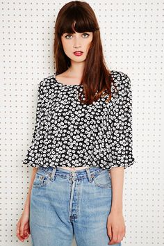 Staring at Stars Crop Top in Floral Print at Urban Outfitters