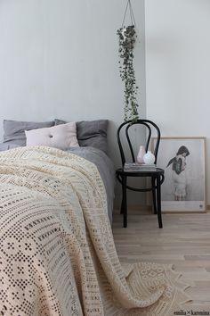 VALONTALO VALONTALO  Emilia Karenina │ Interior Designer #bedroom #scandinavian #veespeers #hangingpot #chainofhearts