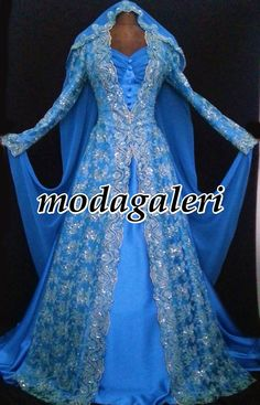 Pakistani Dress Design, Pakistani Dresses, Ice Dresses, Wedding Dresses, Long Dress Design, Indian Party, Brokat, Medieval Dress, Vintage Costumes