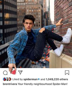 Rate this 😉 Artist Selected by Celebrity Dads, Celebrity Weddings, Boy Celebrities, Celebs, Rivera Family, Bath And Body Works Perfume, Famous Youtubers, Brent Rivera, Carter Reynolds