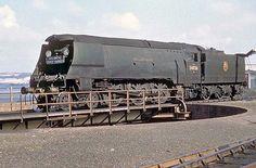 Diesel Locomotive, Steam Locomotive, Old Trains, Vintage Trains, Southern Trains, Uk Rail, Disused Stations, Steam Railway, Southern Railways