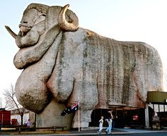 Daily Times - Leading News Resource of Pakistan - 100-tonne glass-reinforced cement sculpture of a merino sheep