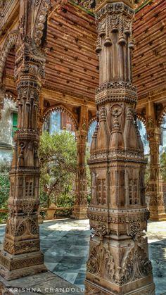 Kasiraj Kali Temple – Hidden Treasure of Varanasi – incredible spiritual india Indian Temple Architecture, India Architecture, Wood Architecture, Ancient Architecture, Beautiful Architecture, Temple India, Hindu Temple, Ancient Buildings, India Art