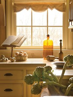 Country Kitchens from Barry Dixon on HGTV I like the antique look of cabinet and the hardware