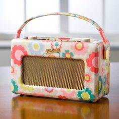 Stunning Cath Kidston us Electric Flower digital radio for Roberts