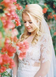 elegant wedding hairstyle idea; photo: The Great Romance