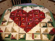 My Valentine Log Cabin quilt ~ Love the layout! <3