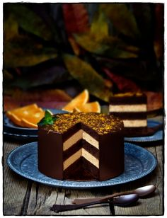 Chocolate and Orange Mousse Layer Cake Sweet Recipes, Cake Recipes, Dessert Recipes, Chocolat Recipe, Nutella Cake, Cake Chocolate, Elegant Desserts, Food Crush, Pastry And Bakery