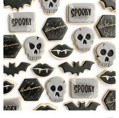 Halloween Cookies, Halloween Party, How To Make Cookies, Cakepops, Dog Treats, Cookie Decorating, Sugar Cookies, Party Favors, Skull