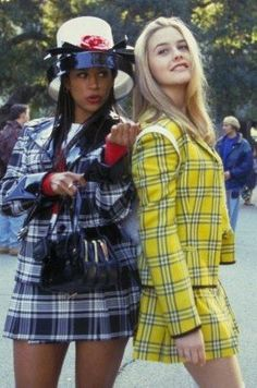11 Genius Group Costumes That Will Win Your Halloween Party Need a last minute group halloween costume? The Clueless girls! More More from my site 29 Genius Last Minute College Halloween Costume Ideas for Parties Cheetah Girls Outfits Clueless, Clueless Fashion, 90s Fashion Grunge, 2000s Fashion, Clueless 1995, Fashion Movies, Clueless Cher And Dionne, Cher Clueless Costume, 70s Outfits