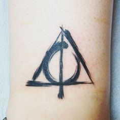 deathly hallows tattoo tatuajes | Spanish tatuajes http://amzn.to/28PQlav