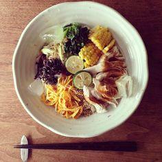 お昼ごはん 蒸し鶏と手作り胡麻ダレの冷やし麺 #sakeat - @sakkn- #webstagram