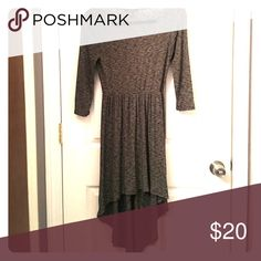 🇺🇸 Heather Gray Long-Sleeved High-Low Dress 🇺🇸 🇺🇸 Perfect, new condition.  Stylish and Comfortable dress. Very flattering!  Wear dressy with heels or more casual with sandal.  Can add belt and jewelry to dress up. Forever 21 Dresses High Low