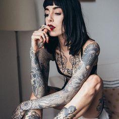 15 Best ideas for tattoo girl body tatoo Sexy Tattoos, Henna Style Tattoos, Body Art Tattoos, Girl Tattoos, Tattoos For Women, Tattooed Women, Full Body Tattoos, Tatoos, Tattoo Model Mann