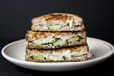 cucumber goat cheese grilled cheese sandwiches, and other goat cheese recipes Think Food, I Love Food, Good Food, Yummy Food, Low Calorie Snacks, Healthy Snacks, Goat Cheese Sandwiches, Cucumber Sandwiches, Steak Sandwiches