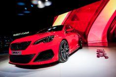 ©The Social Office / J. Peugeot 308 R, Bmw