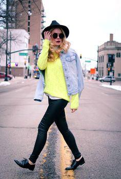 Winter Neon_Leather Pants_What Would V Wear_Top Bloggers_Vanessa Lambert