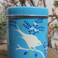 This pretty enamelware tin is perfect for storing tea, coffee and other bits and pieces. Each one has been hand painted by skilled artisans living in Kashmir. £14.95