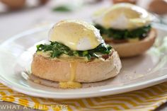 10 Fabulous French Dishes To Celebrate Bastille Day! – Holiday is fun Richard Madden, Omelettes, Brunch Recipes, Breakfast Recipes, Brunch Ideas, Breakfast Dishes, Florentines Recipe, Eggs Florentine, Hollandaise Sauce