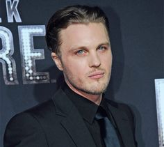 Michael Pitt, I've secretly been in love with him since Murder by Numbers..I know it's weird, but he's HOTT