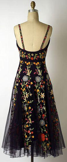 Hattie Carnegie 1940's Evening dress seen from the back.