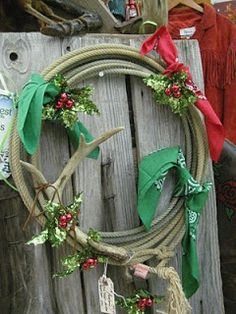 Stylish Western Home Decorating: Western Christmas Wreaths